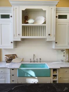 18 Farmhouse Sinks We love a classic white farmhouse sink, but don't be afrai. 18 Farmhouse Sinks We love a classic white farmhouse sink, but don't be afraid to play with colors too. White Cottage Kitchens, White Farmhouse Sink, Farmhouse Sink Kitchen, New Kitchen, Kitchen Cabinets, Farm Sink, Kitchen Sinks, Awesome Kitchen, Kitchen Ideas