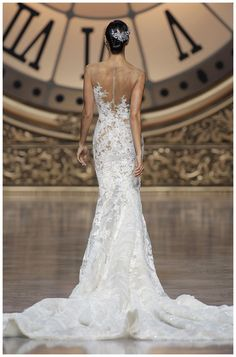 Wedding dress from the Atelier Pronovias 2016 Collection.