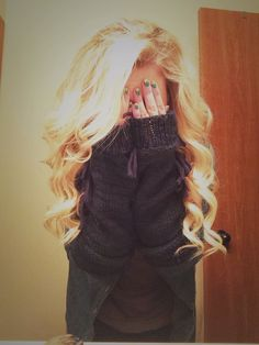 Tumblr Girl // long blonde curly hair. love how her extensions match her hair