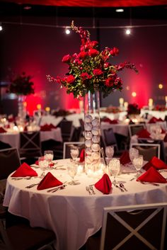 Wedding wedding details wedding ideas baseballs roses red gorgeous baseball themed centerpiece host your reception at the redbird club inside busch stadium junglespirit
