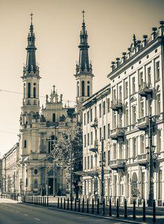 Church of the Holiest Saviour, Saviour Square, Warsaw, Poland Vintage Architecture, Religious Architecture, Best Hotel Deals, Best Hotels, Poland History, Warsaw Poland, Central Europe, Krakow, Kirchen