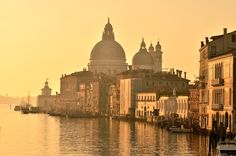 Places To Travel, Places To Visit, Belle Villa, Visit Italy, Beautiful Morning, Morning Light, Great Shots, Venice Italy, Travel Pictures
