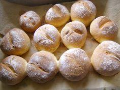 W Mojej Kuchni Lubię.. : chrupiące bułki pszenne z mąką kukurydzianą...