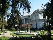 santiago chile casa y jardines picture | Santiago de Chile: Zona Centro - Wikiviajes