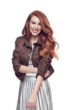 Elçin Sangu - 'Boyner ' - ElBar Turkish Women Beautiful, Turkish Beauty, Prettiest Actresses, Beautiful Actresses, Photos Des Stars, Elcin Sangu, Hottest Female Celebrities, Trending Photos, Turkish Actors