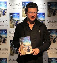 """""""Aspasia. Amante de Atenas"""", debut literario de Julio Medem"""