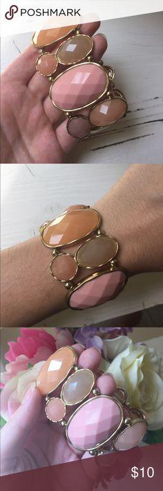 "Peach-toned Necklace and Bracelet Set🍑 Elegant design! Necklace measures 21"". Bracelet is stretchy! Jewelry Bracelets"