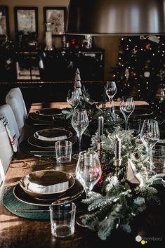 #weihnachten #tischdeko  Wie Ihr diese zauberhafte, weihnachtliche Tischdekoration zuhause selber dekorieren könnt, zeigt Euch Bloggerin @Seelensachen auf ROOMBEEZ ♥ Schaut doch mal vorbei!