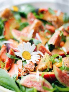 Summery Peach and Wild Salmon Panzanella Salad Juice Of One Lemon, Sockeye Salmon, Seafood Salad, Salmon Fillets, Slice Of Bread, Fresh Basil, Fennel, Dairy Free, Peach