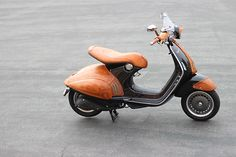 Vespa Lambretta, Vespa Scooters, Scooter Custom, Bike Frame, Motorcycle Bike, Cars And Motorcycles, How To Look Better, California, Unique