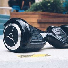 Hoverboard. Balanced Car Гироскутер черного  цвета с 10 дюймовыми колесами. Батарея хорошо держит заряд
