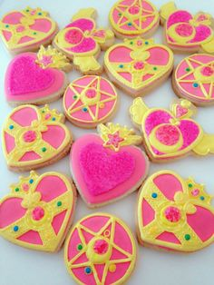 So cute, Sailor Moon cookies! Sailor Moon Party, Sailor Moon S, Sailor Moon Cakes, Sailor Moon Birthday, Sailor Moon Wedding, Sailor Mars, Moon Cookies, Cupcake Cookies, Sweets