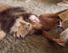 Remember That Time Melanie Griffith Owned a Pet Lion? | E! News