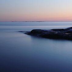. . .  #myhelsinki #helsinki #visitfinland #visithelsinki #liuskasaari #uunisaari #kaivopuistonranta #ig_finland #explorefinland #sunset #sunsetporn #pastels #longexposure #yleluonto #uusiluontokuva #ourhelsinki #ourfinland #ig_helsinki #helsinkiofficial #finland_photolovers #igscandinavia #nordicphotos #balticsea #ig_naturepics #instapics