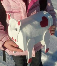 Pony Valentine's Day Box! How CUTE!! Saving this idea for Stella when she goes to school!