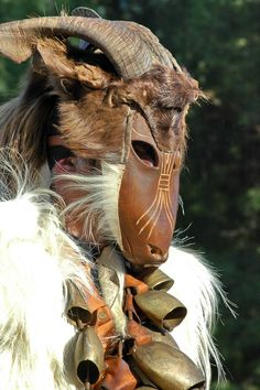 traditional Carnival in Sadali : S'Urtzu e su Pirimpimponi