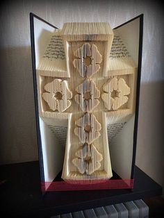 Poppy Cross ( Remembrance ) Cut and fold book folding pattern. 495 pages, 23 cm book height