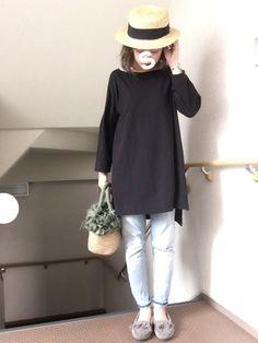 ☺︎*♡ 先日の 晴れた日 クロ × カーキ○ 久々ミネトンカ履きたかったので シンプルにスキニーデ