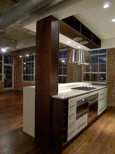 Loft à Houston par CONTENT architecture - cuisine avec ilot central
