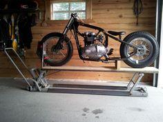 ATV jack to bike lift table Motorcycle Lift Table, Bike Lift, Motorcycle Workshop, Motorcycle Shop, Motorcycle Garage, Motorcycle Helmets, Dirt Bike Room, Garage Lift, Homemade Motorcycle