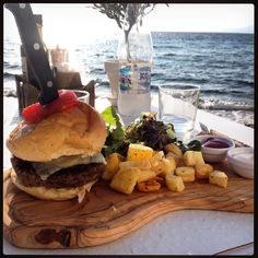 Big Fat Juicy Burger And Steak Fries  Summer Body Material   #mykonos #foodieabroad #theflexiblefoodie #everydayfood #food #fitspo #healthy #balance #flexible #natural #nutrition #musclefood #beachbody #activelifestyle #sustainable #progress #fitness #foodie #channelislands by the_flexible_foodie
