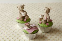 OMG these are too cute to eat! Fondant Teddy Bear, Teddy Bear Cupcakes, Picnic Birthday, 4th Birthday, Fancy Cupcakes, Fondant Figures, Fondant Cakes, Cupcake Wars, Beautiful Cupcakes