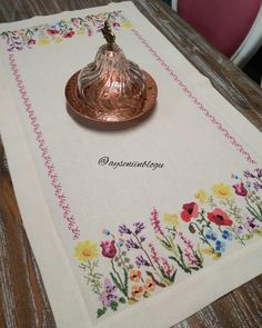 No photograph description. Handmade Crafts, Diy And Crafts, Arts And Crafts, Crewel Embroidery, Cross Stitch Embroidery, Cross Stitch Designs, Cross Stitch Patterns, Free Spirit Clothing, Bargello