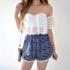 Casual d'été , quoi porter si vous allez à un concert ou à un dîner d'été sur la promenade avec un amis. la chemise est bonne pour l'ete. Le blanc et le bleu rencontre très bien.