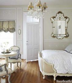 Dormitorio clásico estilo Luis XV #decoración #dormitotio #luisxv