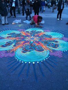 Mandala crayon street art