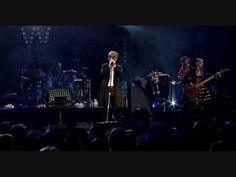 David Bowie in Berlin - talking German - soooooo cute - Song: Afraid - YouTube