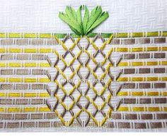 Color con Estilo: Frutas en vagonite: Piña bordada con cintas Silk Ribbon Embroidery, Embroidery Stitches, Sewing Hacks, Sewing Crafts, Swedish Weaving Patterns, Swedish Embroidery, Monks Cloth, Different Stitches, Bargello