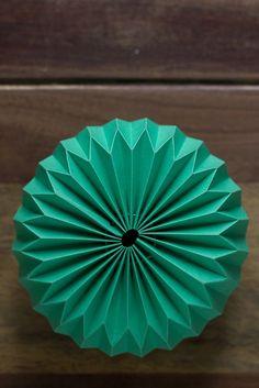 DIY-paper-origami-ball-011