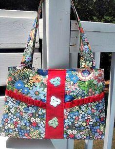Garden Party Floral Purse!