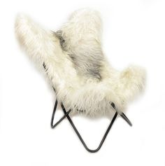 Thebutterfly chairisan iconic master piece from the modernist furniture design.You have seen it everywhere. Decor magazines love it. Boutique hotels wantit. Museums admireit. This is the Butterfly Chair you have been looking for.  Handcraftedtoperfection We use theArgentineanhighest qualityleathers, hides&skinsandcombined with steel to create this state of the art interior decoration. Our Butterfly Chairs are made in the Patagonia grasslands with a clearfocus on qua...