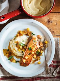 Ricardo& recipe: Seared Salmon with Cider Sauce and Celery Root Purée Fish Dishes, Seafood Dishes, Fish And Seafood, Fish Recipes, Seafood Recipes, Cooking Recipes, Bon Appetit, Celery Root Puree, Ricardo Recipe