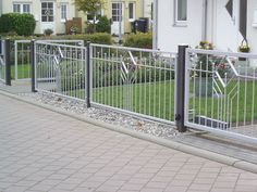 Balcony Grill, Balcony Railing, Iron Gate Design, Fence Design, Front Gates, Front Fence, Steel Railing Design, Tor Design, Stainless Steel Railing