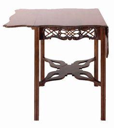 Thomas Elfe (1719-1775) - Breakfast Table. Carved Mahogany. Circa 1760-1775.