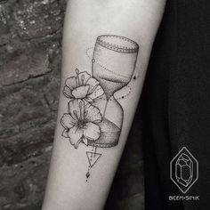 23 Modern Tattoos by Female Artist Bicem Sinik