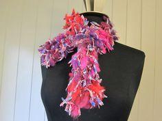 Foulard de la jungle tricoté à la main par LesFousDArt sur Etsy, $35.00