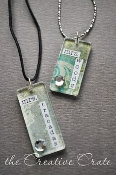 DIY: How to make a Teachers Necklace (Personalized Necklace) You can personalize them however you'd like! Source: The Creative Crate Cute Teacher Gifts, Teacher Christmas Gifts, Teacher Appreciation Gifts, Cute Gifts, Diy Christmas, Teacher Presents, Unique Gifts, Easy Diy Gifts, Homemade Gifts