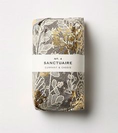 With gold foiling and beautiful patterns offset by simple labeling, this lovely soap is made by Fringe Alchemy. If any of our readers know who designed this beautiful packaging, do please let us know in the comments. Via Lovely Package Paper Packaging, Pretty Packaging, Cosmetic Packaging, Beauty Packaging, Brand Packaging, Packaging Design, Branding Design, Product Packaging, Luxury Packaging