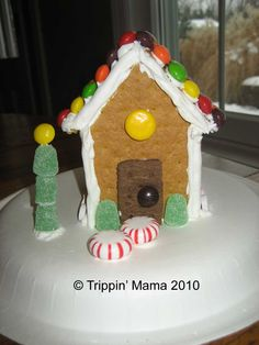 "Trippin' - Life with Triplets: Graham Cracker ""Gingerbread"" Houses"