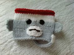Coffee or Tea Sock Monkey Cup Cozy - with pattern. - KNITTING - This was sooooo quick! I want to get a jump on Christmas stuff so I need something that's cute and useful! ( The pattern was f Loom Knitting, Knitting Socks, Knitting Patterns Free, Free Knitting, Baby Knitting, Crochet Patterns, Crochet Ideas, Free Crochet, Knit Crochet