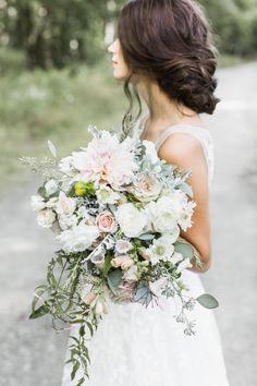 bridal updo hairstyle | Photography: Ashley Largeese Photography