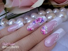 On average, the finger nails grow from 3 to millimeters per month. If it is difficult to change their growth rate, however, it is possible to cheat on their appearance and length through false nails. Acrylic Nail Shapes, Acrylic Nails, French Nails, Hair And Nails, My Nails, Wedding Manicure, Nagel Gel, Accent Nails, Flower Nails