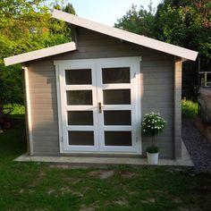 Gartenhaus taubenblau  Der Farbklecks im heimischen Garten: Ein Blau lasiertest Pultdach ...