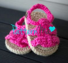 free crochet pattern baby sandals – Knitting Tips Baby Girl Sandals, Crochet Baby Sandals, Crochet Baby Clothes, Crochet Shoes, Crochet Slippers, Baby Booties, Pattern Baby, Baby Patterns, Crochet Patterns