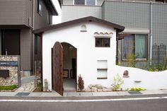 小屋と自転車置き場とサンルーム Patio, Townhouse, Tiny House, Shed, Construction, Outdoor Structures, Outdoor Decor, Home Decor, Gardens