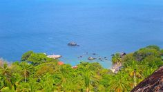 Der Aussichtspunkt Sai Nuan befindet sich im Südwesten von Koh Tao mit Blick auf Cape Je Ta Kang, Tao Thong und June Juea Bay. Er liegt an der neuen Betonstraße, die hoch über der Tao Thong Villa verläuft und auch am Chalok Viewpoint vorbeiführt. Sky Bar, Pub Crawl, Island Tour, Amazing Sunsets, Beach Bars, Koh Tao, Shades Of Yellow, Snorkeling, Villa